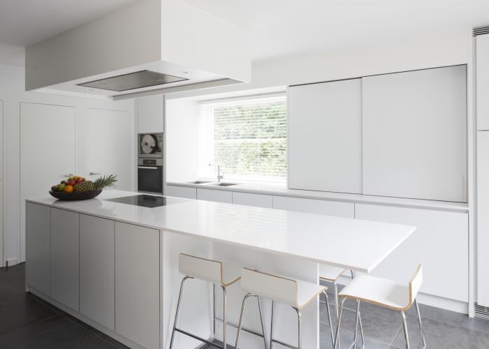 Marivoet bvba project in detail - Witte keuken voorzien van gelakt ...