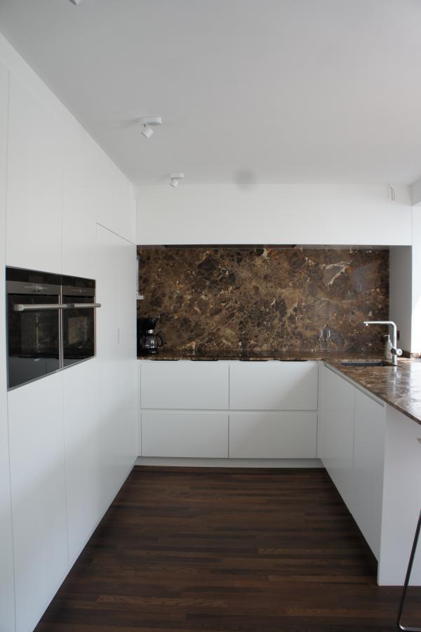Keuken Zwart Marmer : Marivoet BVBA – Project in detail